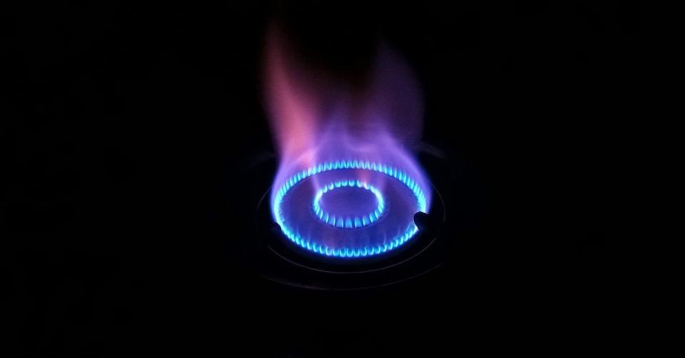 Gaz dla firm – jedna faktura, ale dwóch sprzedawców?